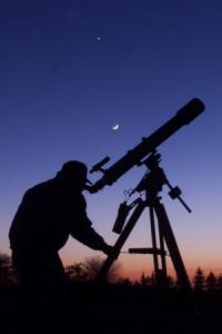 Pengamatan Bintang dengan Teleskop